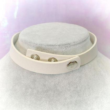 Choker Necklace ,White Faux Leather..