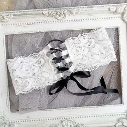 Bridal Lingerie Wedding Garter Cors..