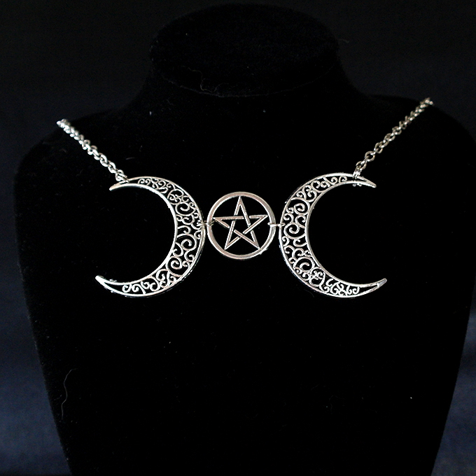 Necklace Choker Crescent Moon and Pentacle Witch Choker, goth gothic wicca Jewelry steampunk