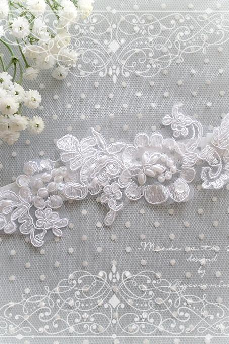 White Sheer Flower Pearl lace garter wedding garter ,Bridal Bride lingerie Wedding Garter Belt Prom Honeymoon Keepsake Toss Pretty
