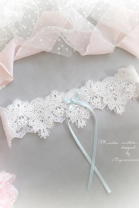 White Lace Baroque lace garter , Something Light Blue Pearl Bow , Victorian Bridal lingerie Wedding honeymoon romantic Keepsake Toss