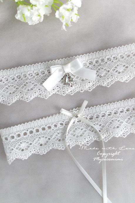 White Wedding Bridal Garter Set ,White Lace Bow Bling Rhinestone Simple , Wedding Lingerie , Keepsake Toss Wedding Accessories