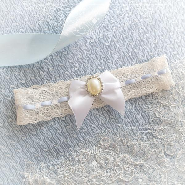 Ivory lace garter, Something Blue Garter ,White Pearl bow, Victorian Bridal lingerie Wedding Garter Belt Prom Honeymoon Keepsake Toss