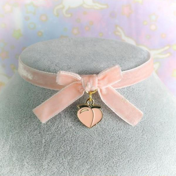 JUST PEACHY Choker Necklace ,Peach Pink Velvet Bow Peach Heart ,Casual Day Collar Choker Fairy Kei pastel Lolita Kawaii Neko DDLG Fruit