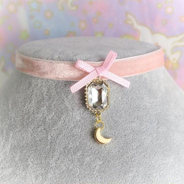 Victorian Style Velvet Choker Necklace, Pink Velvet Bling Rhinestone Little Crescent Moon Pendant , Romantic Lolita Rococo Everyday jewelry